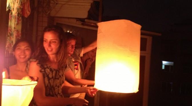 un lâcher de lanterne volante en situation